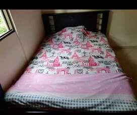 Cama y cama base en excelentes condiciones NEGOCIABLE‼️