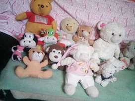 vendo estos  muñecos de segunda son 100 cien en total los vendo en bogota colombia