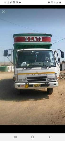 Camion Mitsubichi Fuso