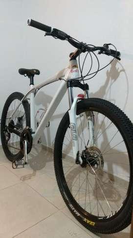 Vendo Bici Venzo, R 27,5 Frenos a Disco