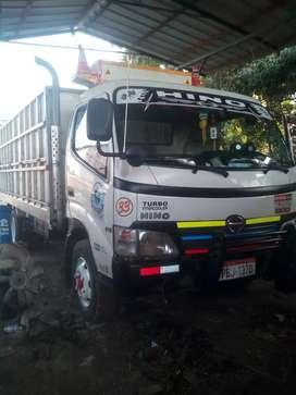 Camión Hino Dutro 2009