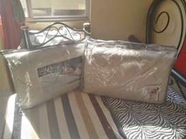 Dos almohadas Marca Comodisimos Nuevas
