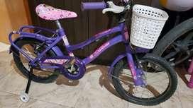 Vendo bicicleta rod 16 de nena...