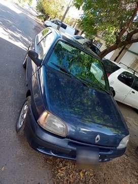Renault Clio Diesel excelente estado! Al día 08 firmado acepto moto