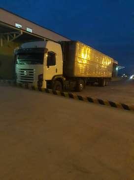 Vendo o permuto por otro camion