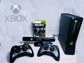 Xbox 360 Slim Original 4GB + 2 Joystick + Kinect