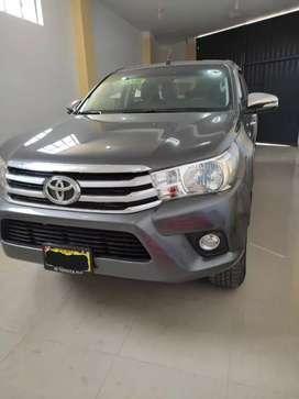 Vendo Toyota Hilux SRV 2018 4X4