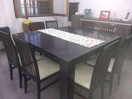 Mesa y sillas de comedor exelente estado!!