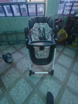 Coche Infanti y  comedor Graco para niñ@