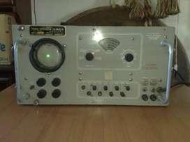 ESPECTACULAR GENERADOR DE SEÑAL..! Ex U.S. Signal Corp. TS 452 C/U