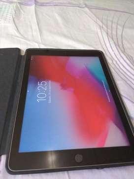 Vendo iPad 2017 de 32 Gb Excelente