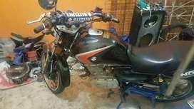 Se vende moto SUZUKI EN 125 mod 2013 en buen estado