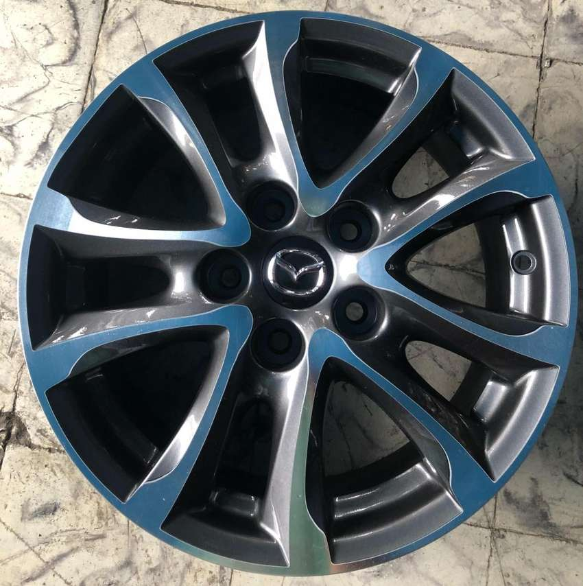 "Rines 16"" de Mazda 5 Huecos 0"