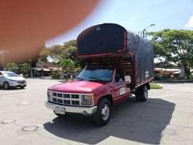 CAMION CHEVROLET CHEYENE 4 TONELADAS PLACA PUBLICA SIN PICO PLACA GAS GASOLINA MOTOR RECIEN REPARADO RECIEN PINTADO