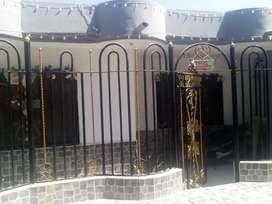 Se vende linda casa en Los Laureles