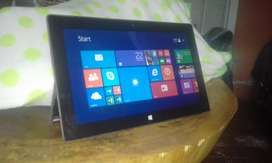 "Surface rt :  10.6"" - 2 ram - 64 gig"
