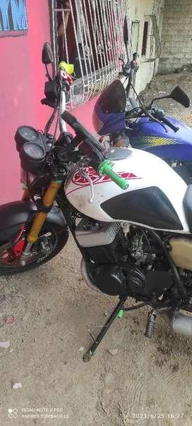 Yamaha RD 400cc.  Bicilindrica 2tiempos