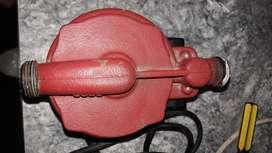 Vendo bomba presurizadora upa 15-90