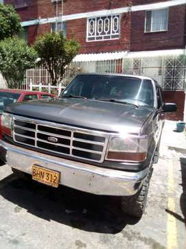 Vendo o permuto Ford Bronco