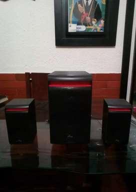 Mini Componente Teatro  En  Casa  Bluetooth  Radio  FM , USB