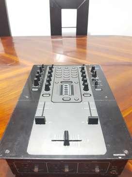 Mixer Mezcladora DJ STANTON M.207