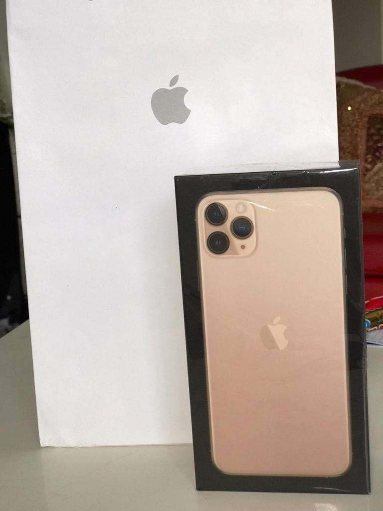 iPhone 11 Pro Max 0