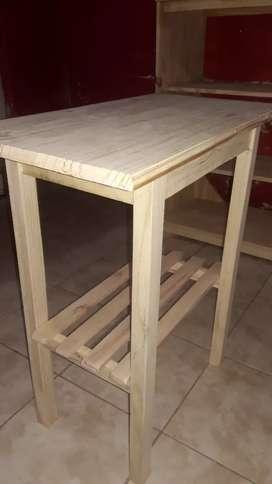 Mesa nueva para tv en pino más una mesa plegable de regalo