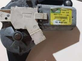 Vendo motor de limpiaparabrisa trasero de clio original valeo