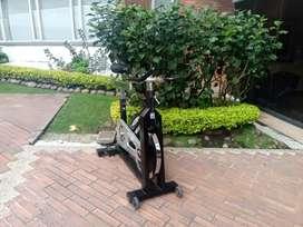 Se vende bicicleta estática en perfecto estado