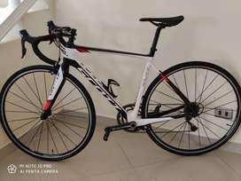 bicicleta scott solace en carbono