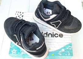 Zapatillas Addnice para niña