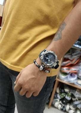 Reloj Casio con pulsera