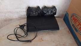 PlayStation 3 super slim con 500gb 1 año de poco uso