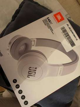 Auriculares JBL E45BT Blanco / New