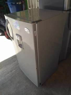 Nevera convencional Centrales 235 litros usada en muy buen estado