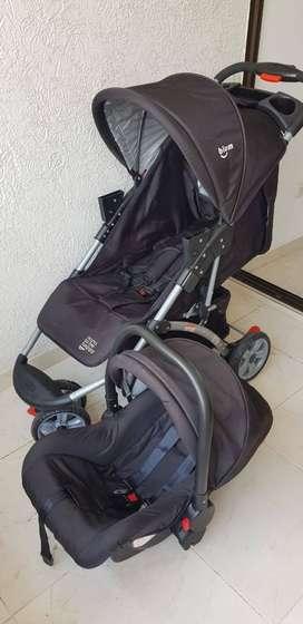 Se vende coche para bebe marca BIUM