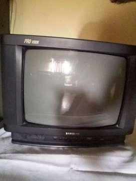Se vende tv samsung