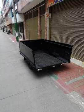 Vendo trailer para carga o 2 motos con barrillas  para carpa  esta en perfecto estado