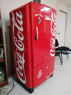 Nevera antigua coca cola
