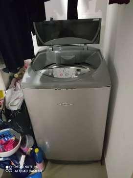 Lavadora Haceb 14 pulgadas. Usada. Funcional 100 por ciento.