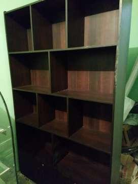 Librero de madera pino