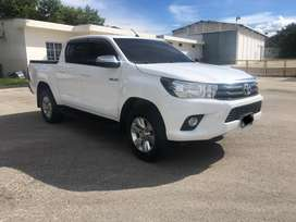 Toyota hilux 2019 ful equipo standar 4x4