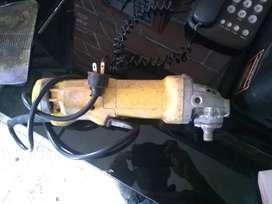 Pulidora DeWalt Dwe4314