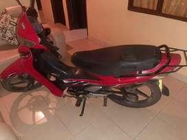 Vendo moto bonita y buena,si hay cambios por moto grande se acepta,en especial eco deluxe