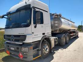 Vendo camión con semi remolque Heil transporte combustible