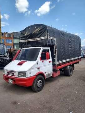 Camión Iveco 2003 estacas público original ganga ganga