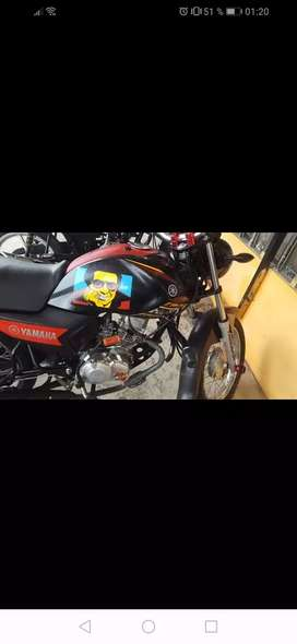 moto yamaha cruz