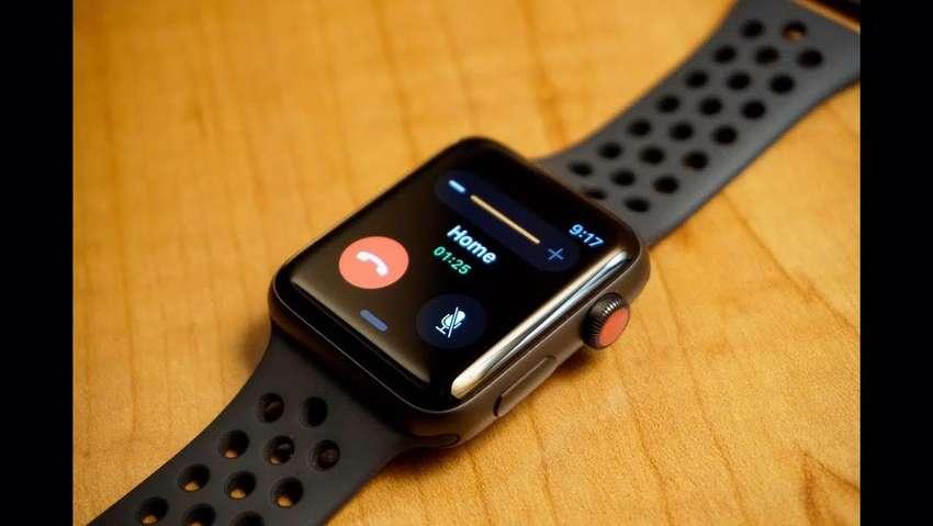 Apple Watch Series 3 42mm NIKE EDITION (6 meses de uso, sin caja) 0