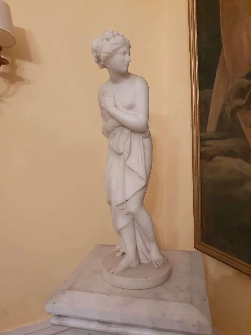 Estatua de   màrmol de Carrara, Venus , circa 1870 0