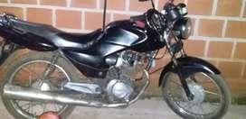 Vendo o permuto moto Honda 125